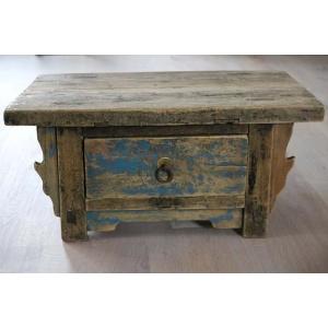 Oud houten ladekastje